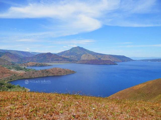 Paket Trip Wisata Danau Toba Bukit Holbung Samosir