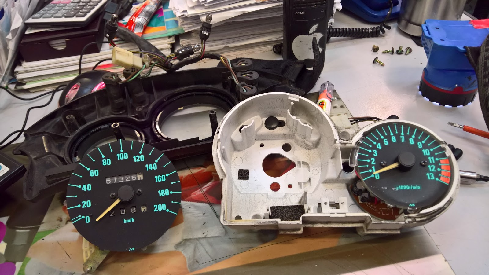 Kle 500 Speedometer Service And Charging Voltage Drop Diy Repair Jeep Speedo Gauge Cluster Wiring Its Not Too Complicated Job To Open Out The Panel At Loosening Head Lamp Cowling We Will Find Mounting Bolt Wire