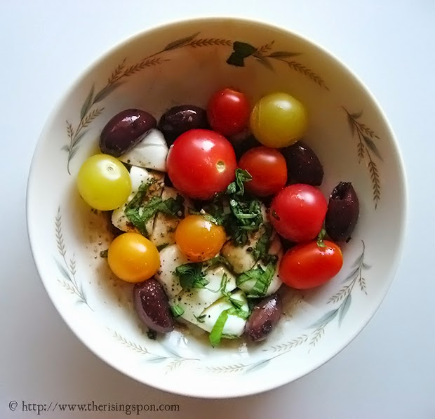 Heirloom Cherry Tomato and Fresh Mozzarella Salad | therisingspoon.com