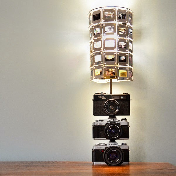 lampara DIY hecha con cámaras fotograficas
