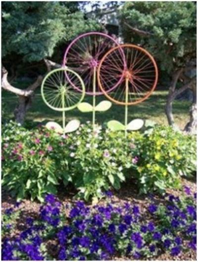 Bunga hias terbuat dari roda sepeda bekas