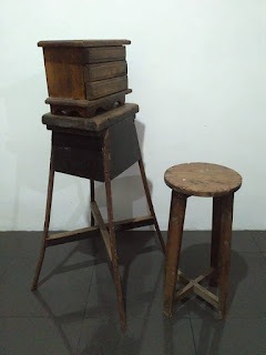 PEDAGANG BARANG ANTIK Jual Kursi dan Kotak Antik