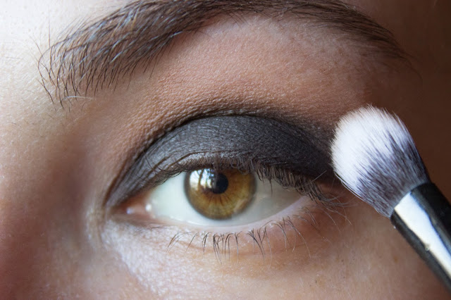 fast matte smoky eyes: step 4