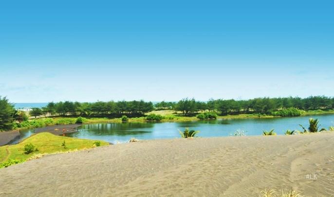 Pantai Lembupurwo