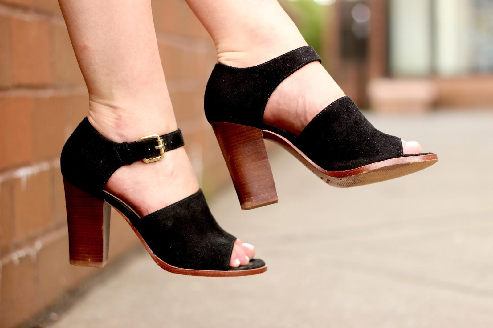 black vince camuto sandals