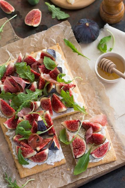 Tarte salée aux figues, pâte sablée au parmesan
