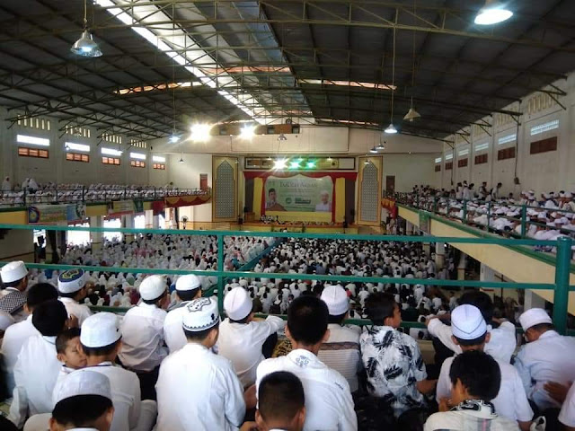 Warga Ogan Ilir Antusias Sambut Kedatangan Ustad Abdul Somad