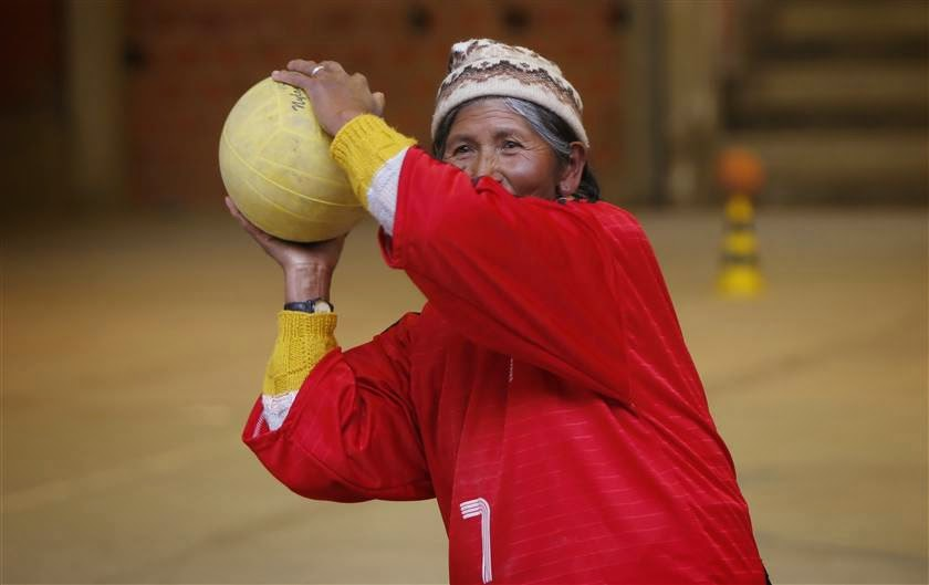 Bolivian grandmas playing handball