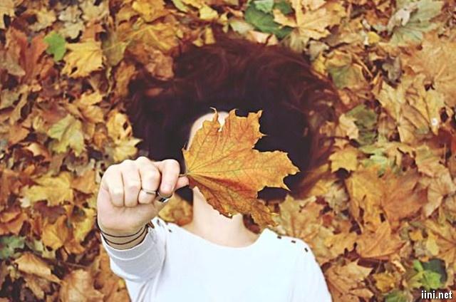 cô gái và mùa thu