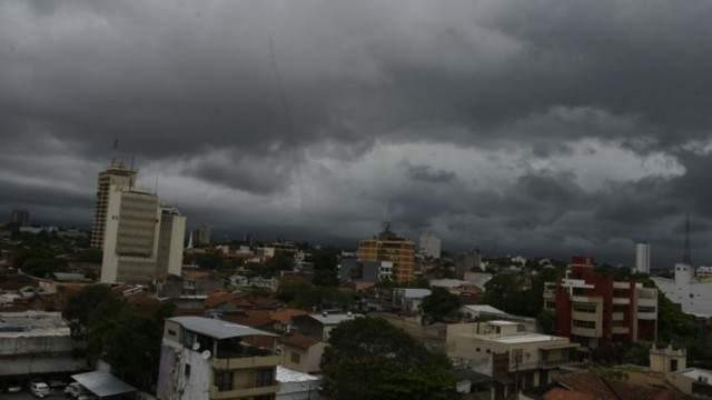Tormentas y lluvias muy fuertes para el jueves y viernes en el norte del país