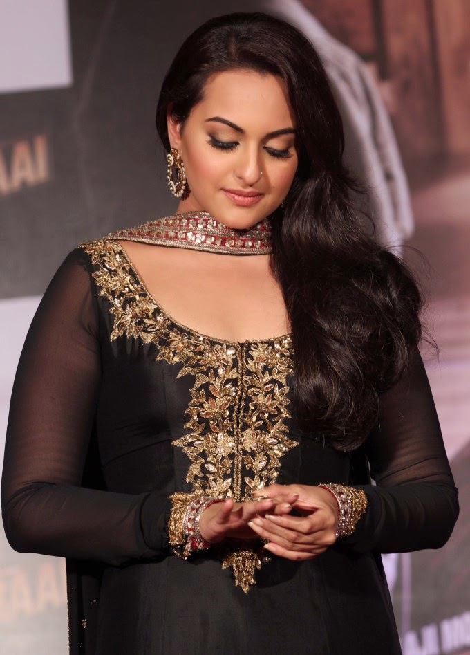 Sonakshi Sinha Looks Spicy In Colorful Black Dress Photos