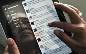Enam Nasihat Gus Mus untuk Pengguna Media Sosial
