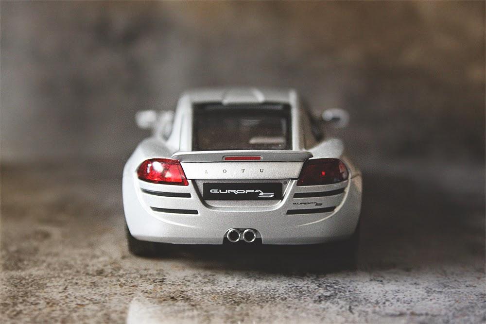 1/18 AUTOart Lotus Europa S