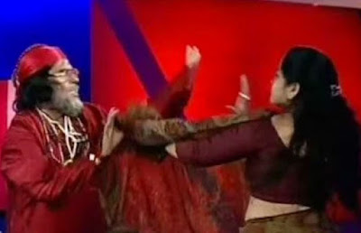 This Video Of Bigg Boss 10 Contestant Swamiji Slapping A Woman On TV Is Going Viral!