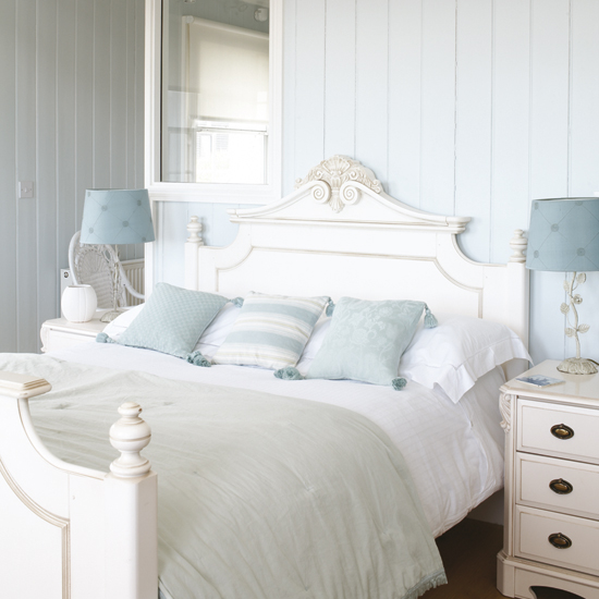 Baby Blue Is A Gorgeous Subtle Accent Color In This Soft Toned Room Lennox