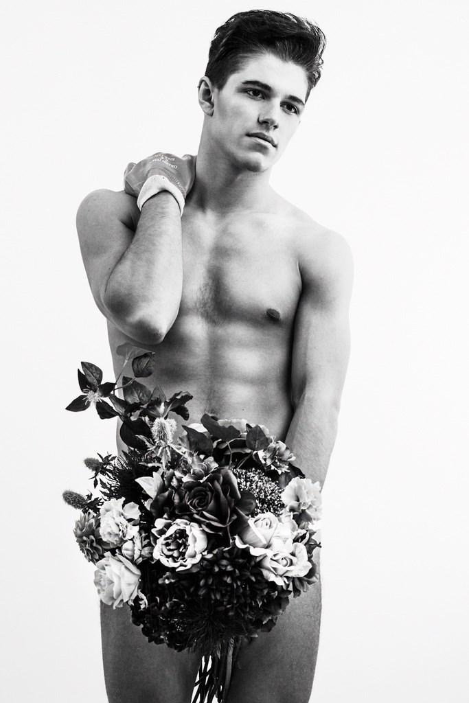 Naked man flowers — img 15
