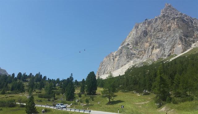 Gondel die auf den Laga Zuoi führt vom Falzaregopass aus, Südtirol