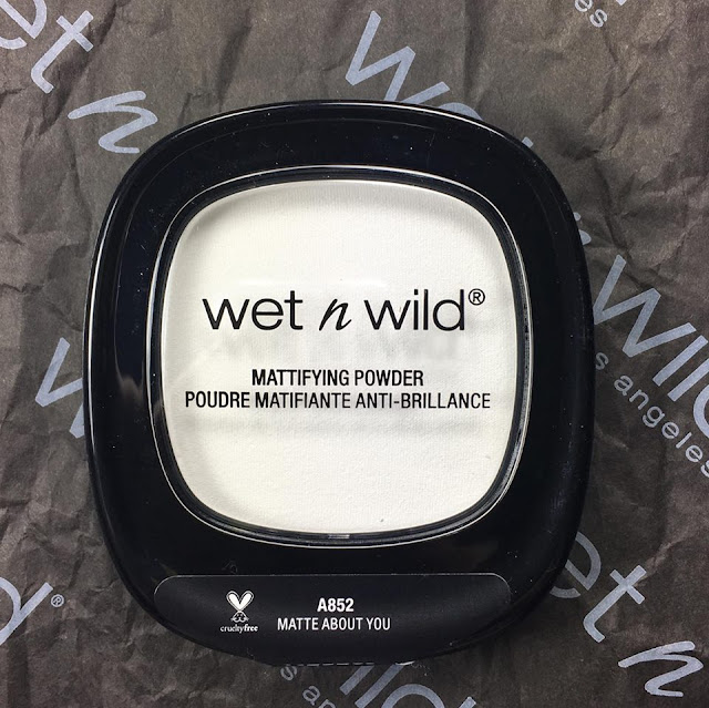 wet n wild mattifying powder in matte about you