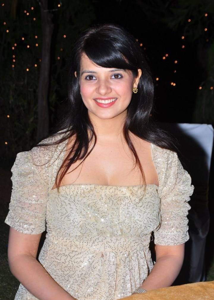 Tollywood Actress Saloni Hot Photos In White Dress
