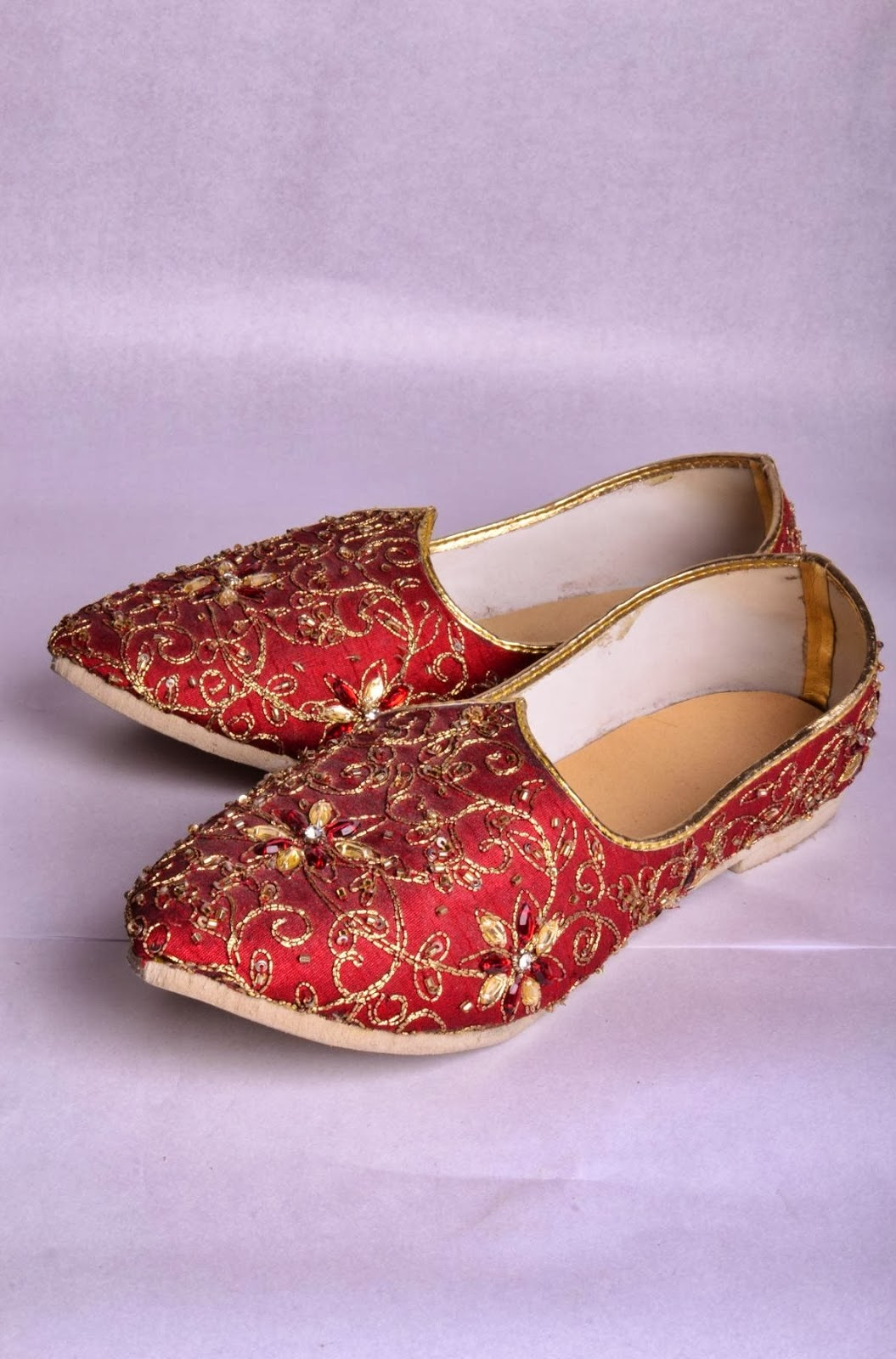 958c295f2b Mojari, the traditional footwear for men in India, is a pair of padded  shoes specially handcrafted. They feature vibrant colours and designs, ...