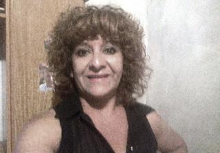 """Cristian Nicolás Funes, hijo de Patricia Olivares, utilizó nuevamente las redes sociales para expresar la indignación que siente por la muerte de su madre. Esta vez fue porque este jueves llegó a la casa, donde la víctima vivía junto a sus padres, una ratificación de la orden de restricción perimetral impuesta a Garín. """"A 13 días de la denuncia y a 3 días de su muerte, llega la orden de restricción que pidió mi madre el pasado 3 de marzo, cuando denunció AMENAZAS DE MUERTE por parte de su ex pareja. ¿Creó que llegó un poquito tarde no?""""expresa el mensaje de Cristián Funes, hijo mayor de Patricia. Hace dos años ocurría algo similar cuando la justicia provincial llamó a declarar a María Cristina Olivares, asesinada de 166 puñaladas, por su ex pareja y novia del sujeto. La mujer había radicado una denuncia por agresión contra su ex esposo y la Defensoría 1ª la llamó a declarar, 19 meses después del macabro hallazgo."""