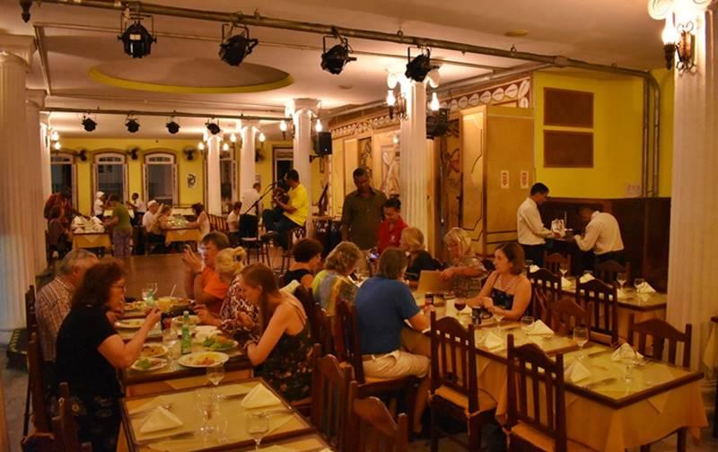 Jantar com Show em Salvador