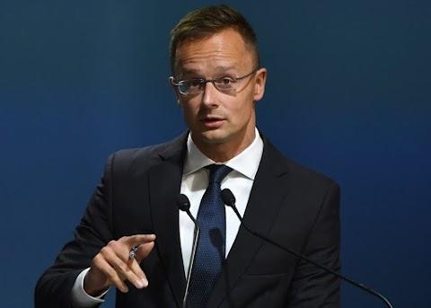 A magyar közösségek jogait semmilyen nyomás hatására nem áldozzuk fel