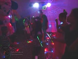 recreacionistas-medellin-chiquiteca-efectos-de-luces-para-fiestas-infantiles-9