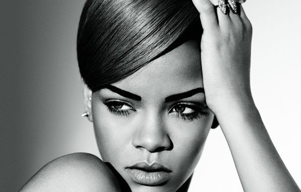 Rihanna Give Me a Try Feat. Sizzla MP3, Video & Lyrics