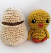 http://www.ravelry.com/patterns/library/spring-chicken-with-egg