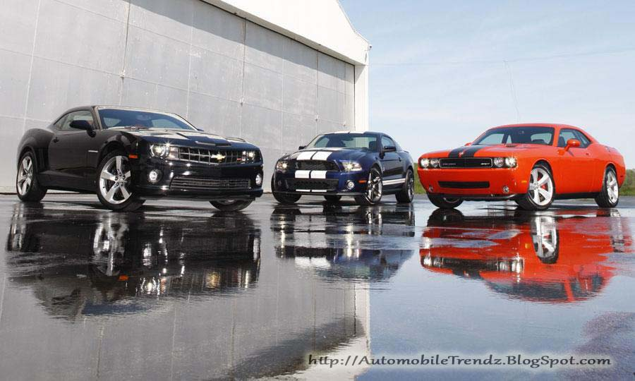 Camaro Vs Mustang Vs Challenger on 1968 Dodge Charger Rt Vs 1970 Plymouth Cuda