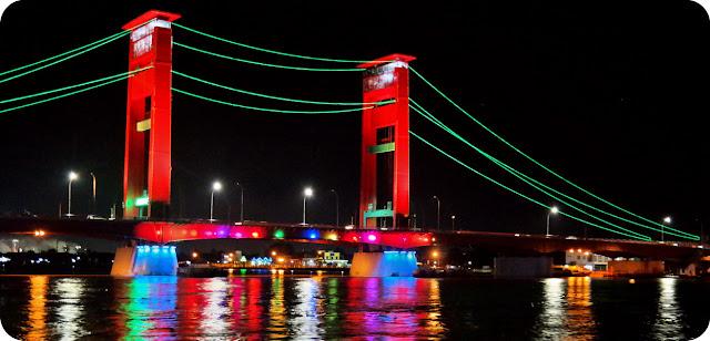 Gerhana Matahari Dari Jembatan Ampera