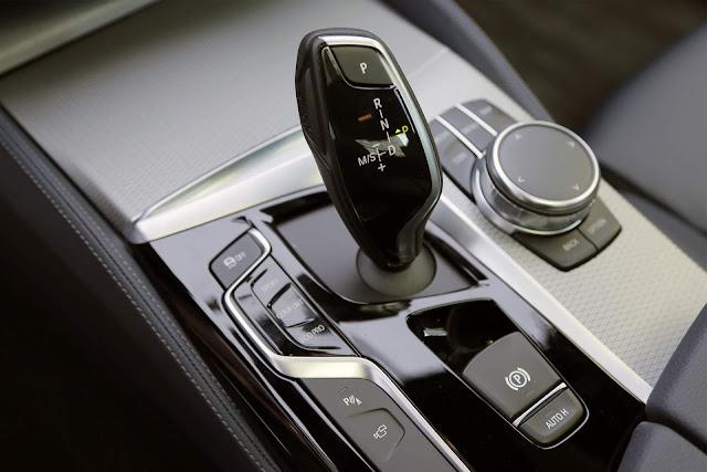 Novo BMW Série 5 2018 - interior - detalhes