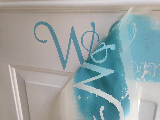 Silhouette, Silhouette tutorial, spray paint vinyl, vinyl, custom colors