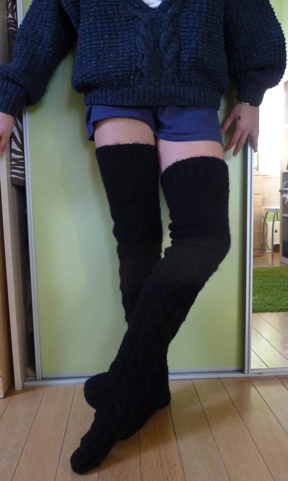 c6ca27fe7c095 Ręko-czyny: Robione na drutach pończochy na zimę - krok po kroku