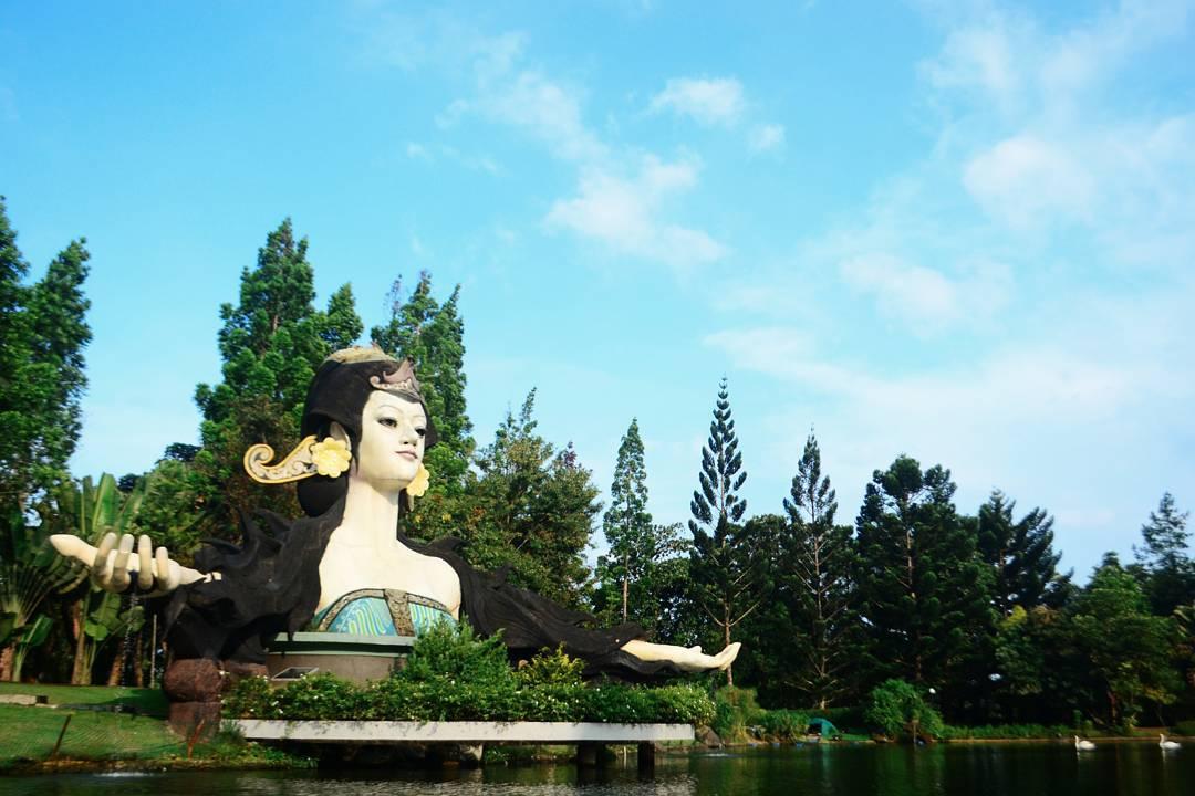 Image Result For Tempat Wisata Di Bogor Taman Bunga Nusantaraa