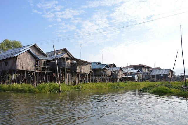 Villages sur pilottis aux abords du Lac Inle