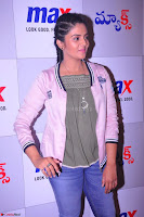 Sree Mukhi at Meet and Greet Session at Max Store, Banjara Hills, Hyderabad (20).JPG
