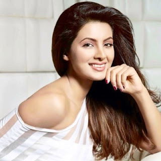 Geeta Basra Biography Age Height, Profile, Family, Husband, Son, Daughter, Father, Mother, Children, Biodata, Marriage Photos.