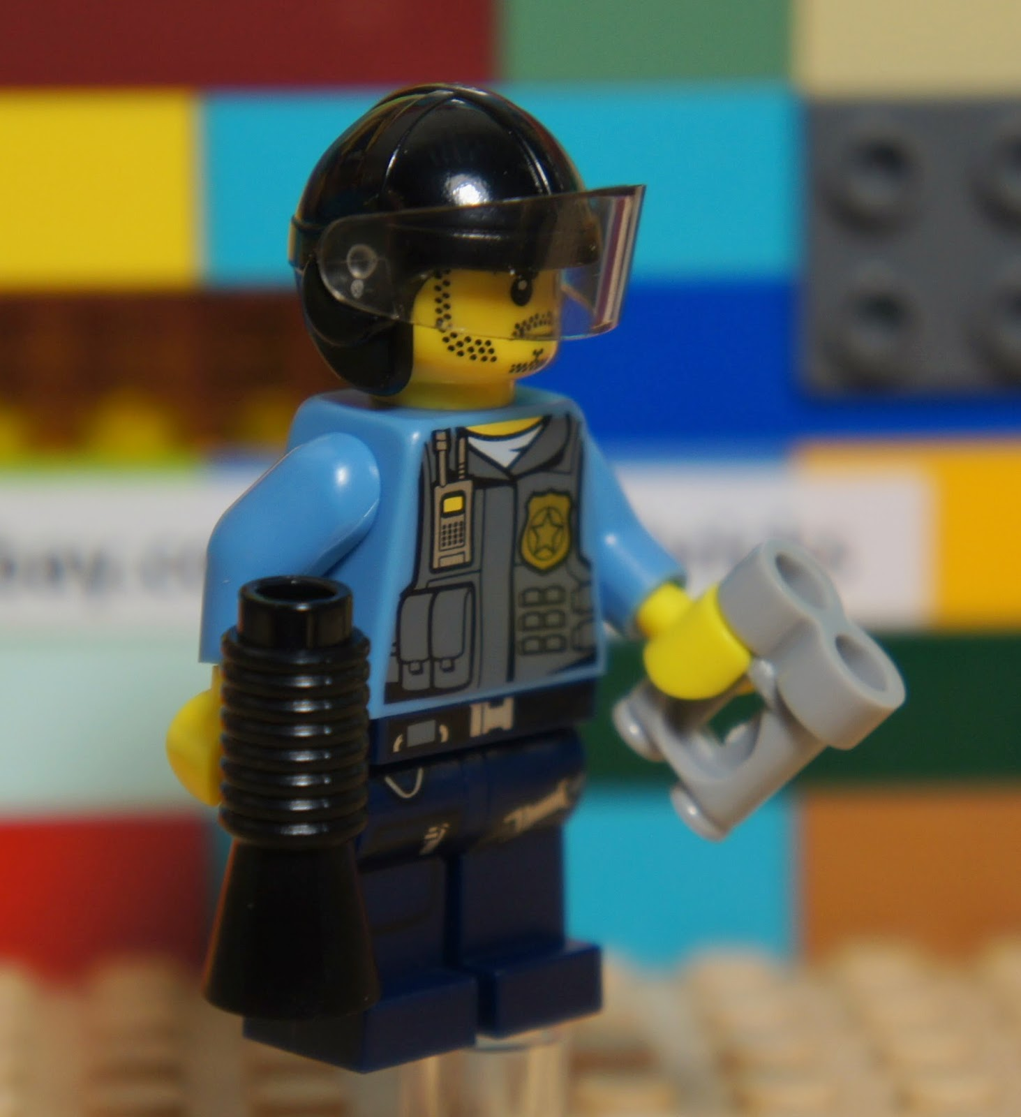 LEGO City POLICEMAN OFFICER #4 Minifigure + Helmet ...