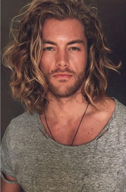 cortes de cabelo masculino ondulados e cacheados longo (1)