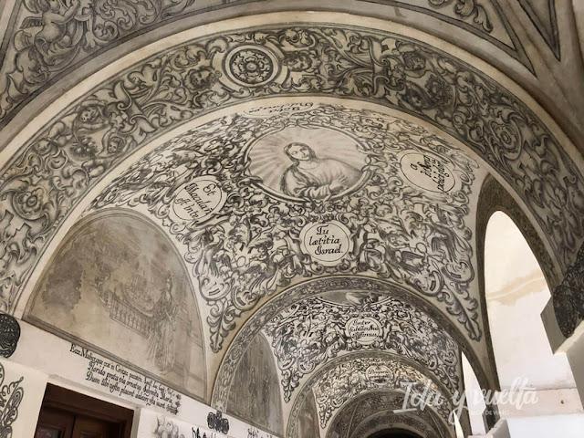 Hotel Convento la Magdalena frescos del claustro