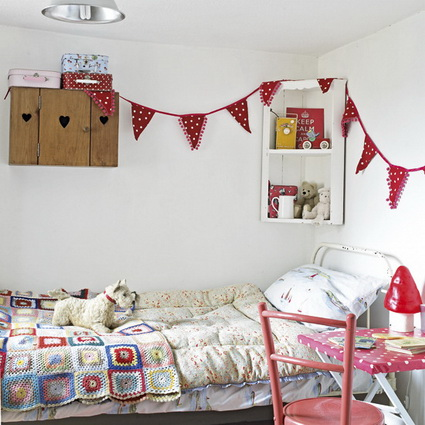 Pennants in children's bedrooms 7