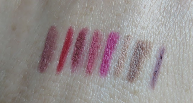SAVEONBEAUTY_lip_liners_swatch