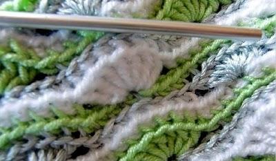 Punto ondas crochet entre cadenetas