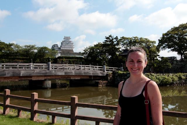 Lena delante del castillo de Himeji