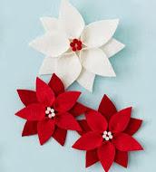 http://vctryblogger.blogspot.com.es/2011/12/flores-de-pascua-o-pastora-en-fieltro.html#more