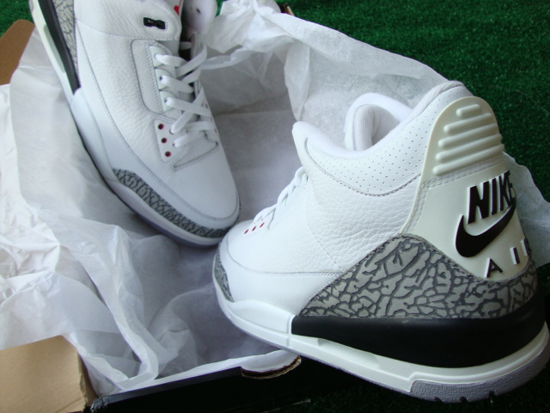 f4496c64cc7 In 2001, three colorways of the Air Jordan 3 Retro were released. The  original black/cement grey (w/Nike Air), white/mocha and, the original  white/true blue ...