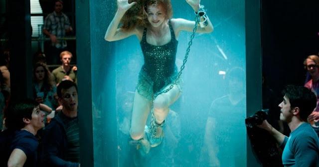 Mengerikan! Inilah 20 Adegan Film Yang Hampir Membuat Para Aktornya Tewas Saat Syuting