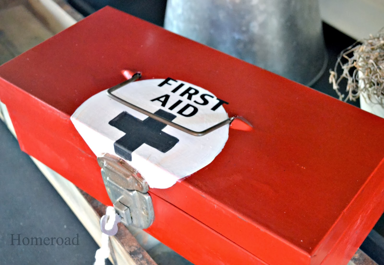 metal first aid box www.homeroad.net